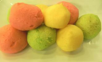 Bánh su kem phá cách hấp dẫn giới trẻ Sài Gòn