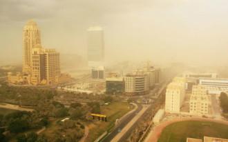 Bão cát ở Dubai làm gián đoạn hàng không