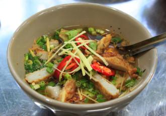 Đặc sản bình dân hút khách ở Nha Trang