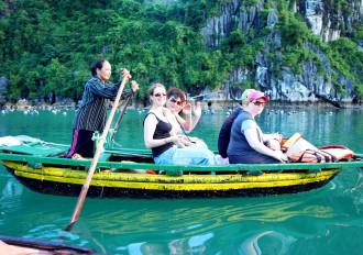 Du khách quốc tế sụt giảm, trách nhiệm thuộc về ngành du lịch?