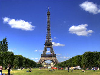 Tháp Eiffel phải đóng cửa vì đình công
