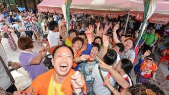 Đại gia Trung Quốc cho 12.700 nhân viên đi du lịch nước ngoài