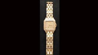 Du khách tìm lại đồng hồ 100.000 USD bỏ quên ở sân bay