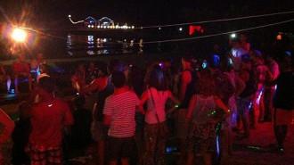 Nữ khách say khướt bị xâm hại trên bãi biển Campuchia