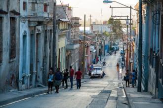 Santiago de Cuba còn vang tiếng còi xe...