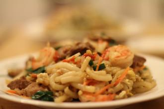 Bánh lọt xào tôm hút khách ở Hà Tiên