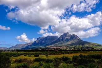 Bí ẩn mây cuộn trên đỉnh Quỷ ở Cape Town