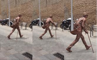 Người hóa tượng khiến du khách bất ngờ ở Barcelona