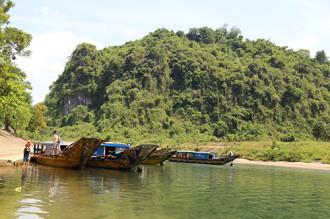 Quảng Bình hỗ trợ giữ giá vé thuyền thăm động Phong Nha