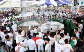 Siêu lẩu lớn nhất Việt Nam đến Cần Thơ