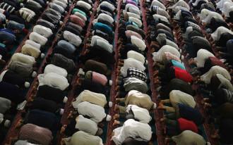 Tục lệ nhịn ăn trong tháng Ramadan Hồi giáo