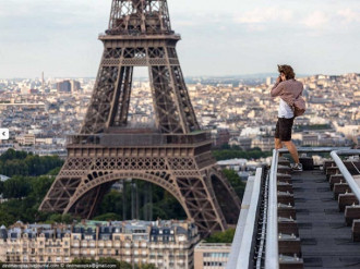 19 bức ảnh du lịch 'thách thức tử thần'