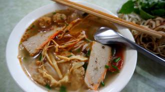 Bún chả cá miền Trung cho bữa trưa mát trời Hà Nội