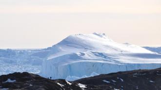 Đảo băng lớn nhất thế giới có nước ấm tự nhiên
