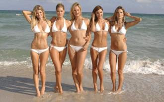 Đóng cửa bãi biển nude, người Pháp 'nổi điên' với hoàng gia Saudi