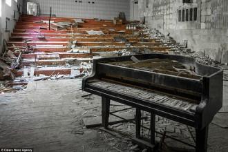"""Loạt ảnh siêu hiếm ở """"thị trấn ma"""" 30 năm sau thảm hoạ Chernobyl"""