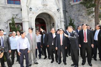 Thủ tướng Lào ấn tượng với vẻ đẹp Bà Nà