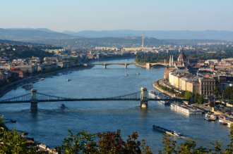 Vẻ đẹp quyến rũ của mùa thu Đông Âu