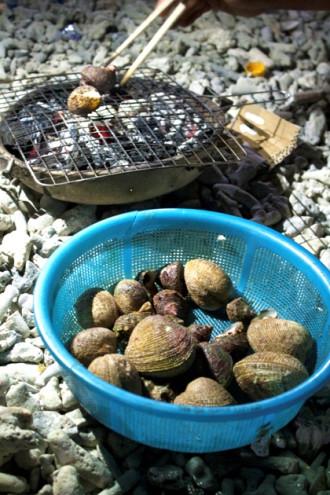 Hương vị hải sản nướng trên biển đêm Lý Sơn