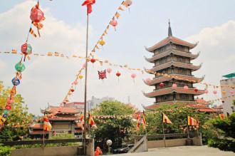 Những ngôi chùa cổ giữa lòng Sài Gòn