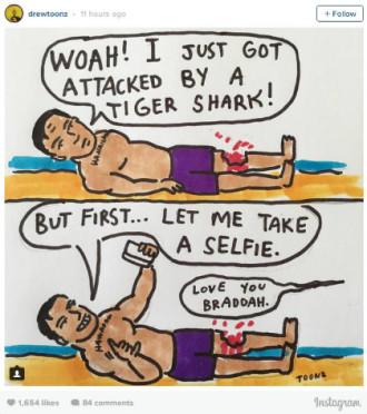 Bị cá mập cắn, chàng trai vẫn tranh thủ selfie