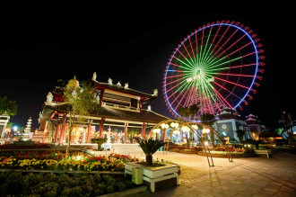 Đến Asia Park - Đà Nẵng ngắm con đường đèn lồng dài nhất Việt Nam