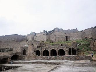 Đến thăm pháo đài cổ Golconda