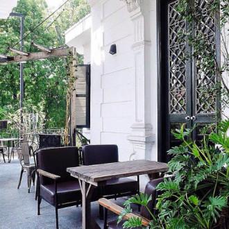 Quán cà phê lý tưởng để ngắm Hà Nội ngoài trời