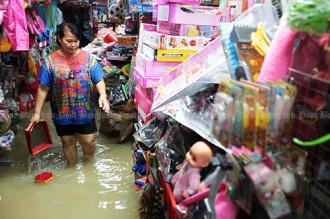 Thiên đường du lịch Thái Lan ngập trong biển nước