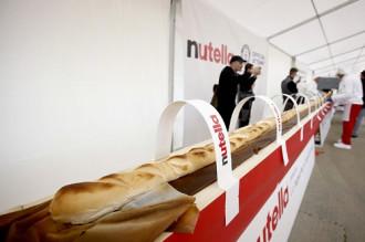 Chiếc bánh mì baguette dài nhất thế giới