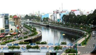 Du khách sẽ được thăm tuyến kênh Nhiêu Lộc bằng xe điện