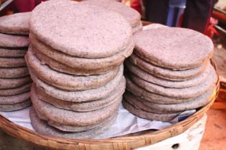 Hương vị hoa tam giác mạch trong chiếc bánh ở Hà Giang