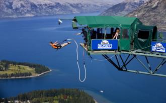 Nhảy bungee - từ trò điên rồ đến xu hướng toàn cầu