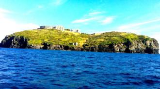 Santo Stefano, từ đảo địa ngục thành thiên đường khỏa thân