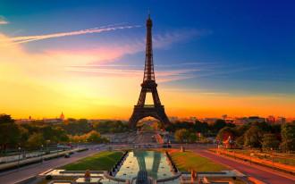 Khủng bố tại Pháp, du khách lo lắng, lữ hành Việt tính chuyện đổi tour