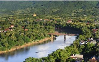 Thăm cố đô Luông Pha-bang của Lào