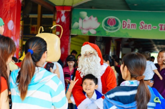 Đón Giáng sinh và năm mới tại Đầm Sen