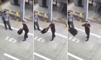 Khách ghi lại phút thi ném hành lý của nhân viên sân bay