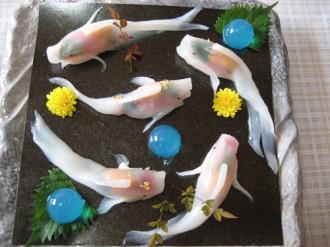 Những miếng sushi biết bơi trên đĩa ở Nhật Bản