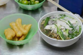 Những quán bún mọc gà nhất định phải thử ở Hà Nội