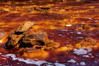 Những vùng nước đẹp nhưng nguy hiểm chết người