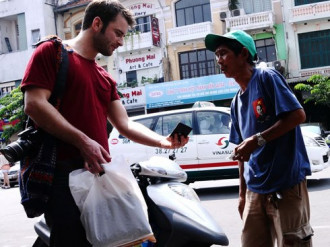 600 ca ăn xin, hàng rong bị xử lý ở quận 1 Sài Gòn năm 2015