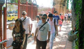 Khách Trung Quốc ồ ạt đến Nha Trang