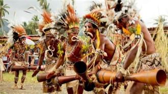 Kì lạ đảo quốc phụ nữ được quyền ;cầm cương' đàn ông