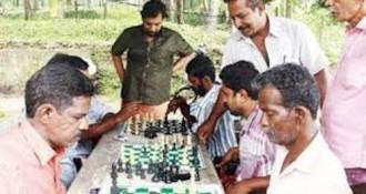 Ngôi làng chơi cờ để cai nghiện rượu ở Ấn Độ