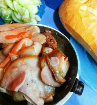 Những quán bánh mì chảo ngon, rẻ hút khách ở Hà Nội