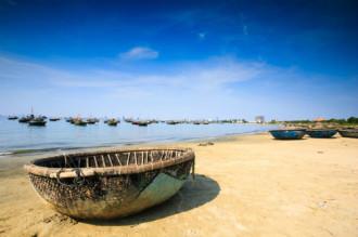 Tắm bùn khoáng - sản phẩm du lịch mới của Đà Nẵng