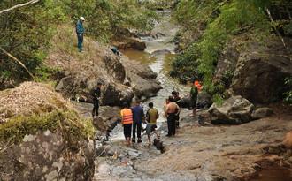 3 khách nước ngoài có áo phao khi trượt chân tử vong ở Đà Lạt