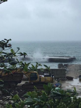 500 du khách kẹt ở đảo Lý Sơn do biển động