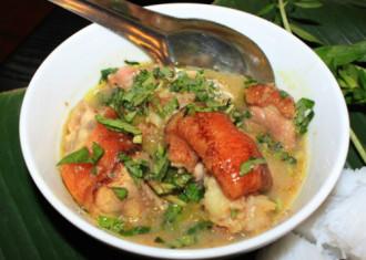 Bún giả cầy và bánh canh ghẹ lạ miệng cho bữa trưa ở Hà Nội